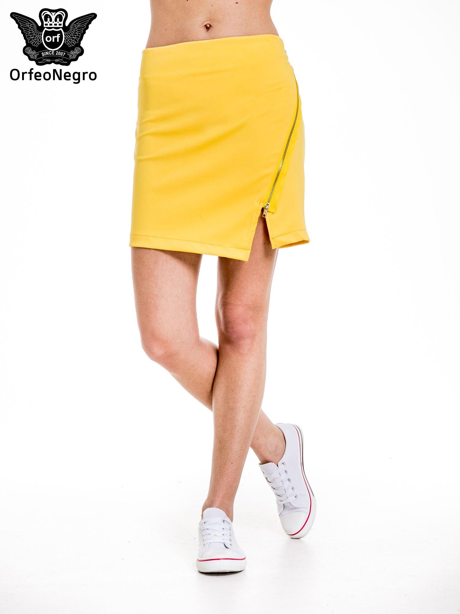 Żółta minispódnica z asymetrycznym suwakiem                                  zdj.                                  1