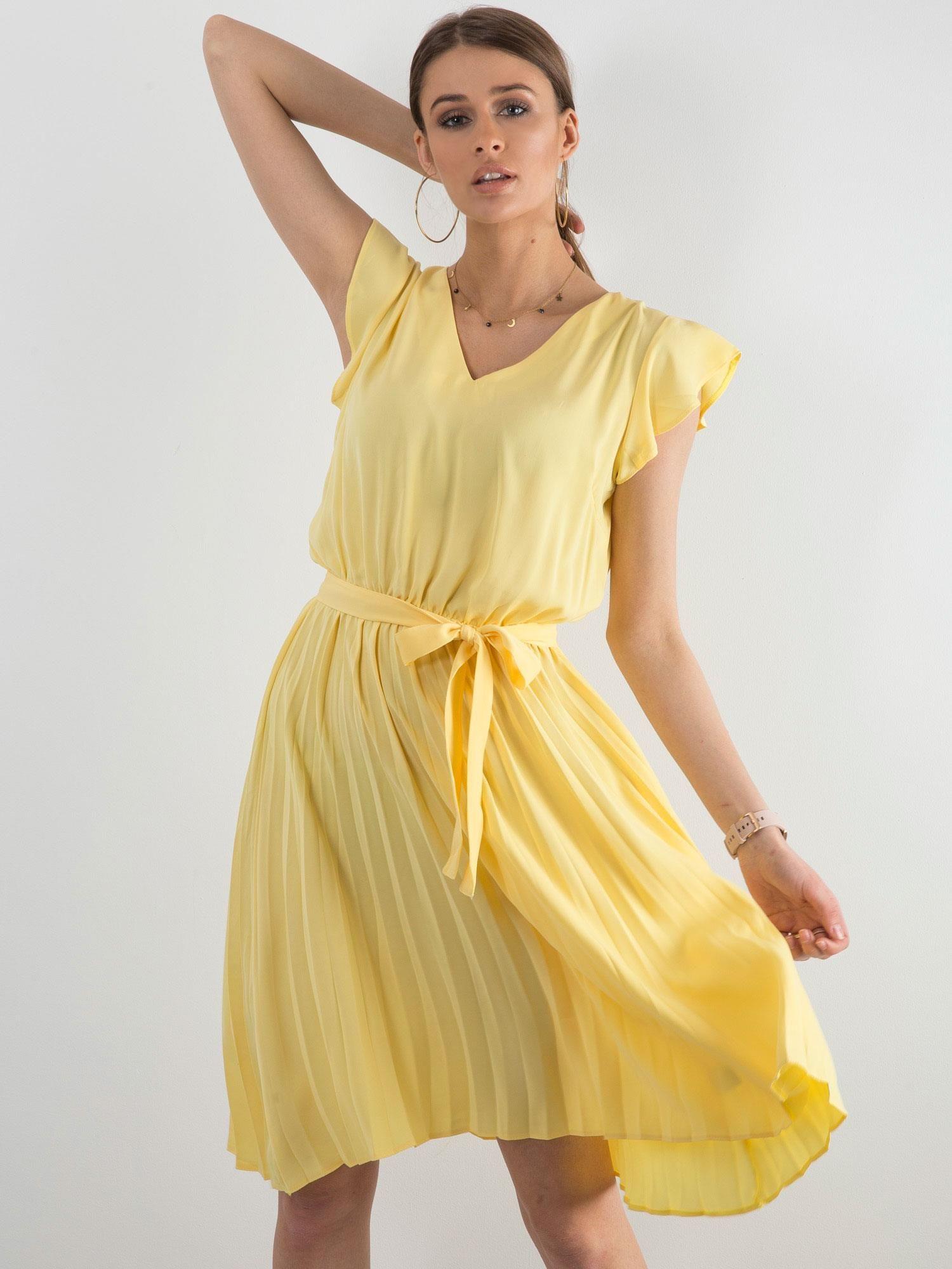1c6de5b6c7e3c3 Żółta sukienka damska z wiązaniem - Sukienka koktajlowa - sklep ...