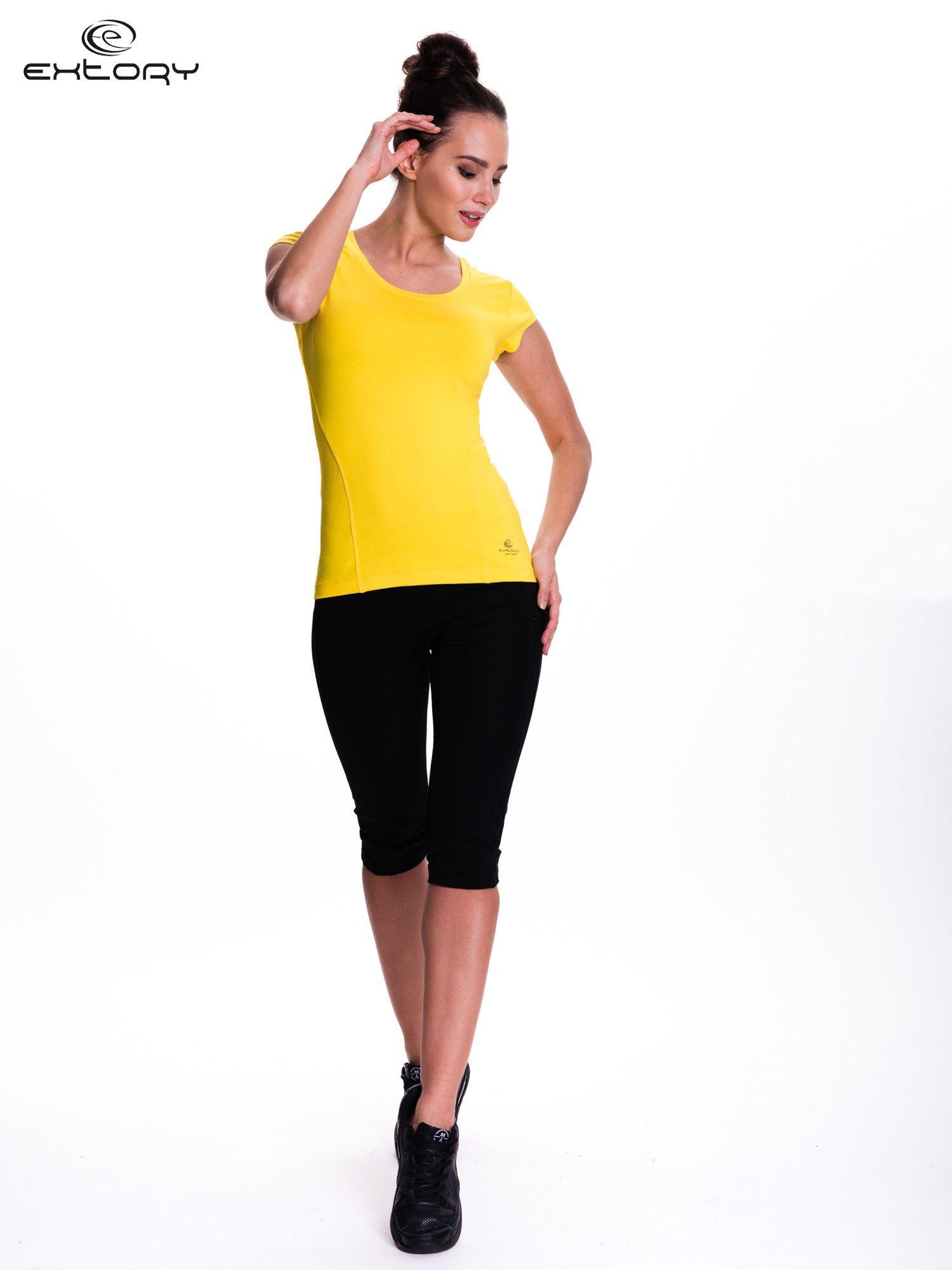Żółty damski t-shirt sportowy basic                                  zdj.                                  2