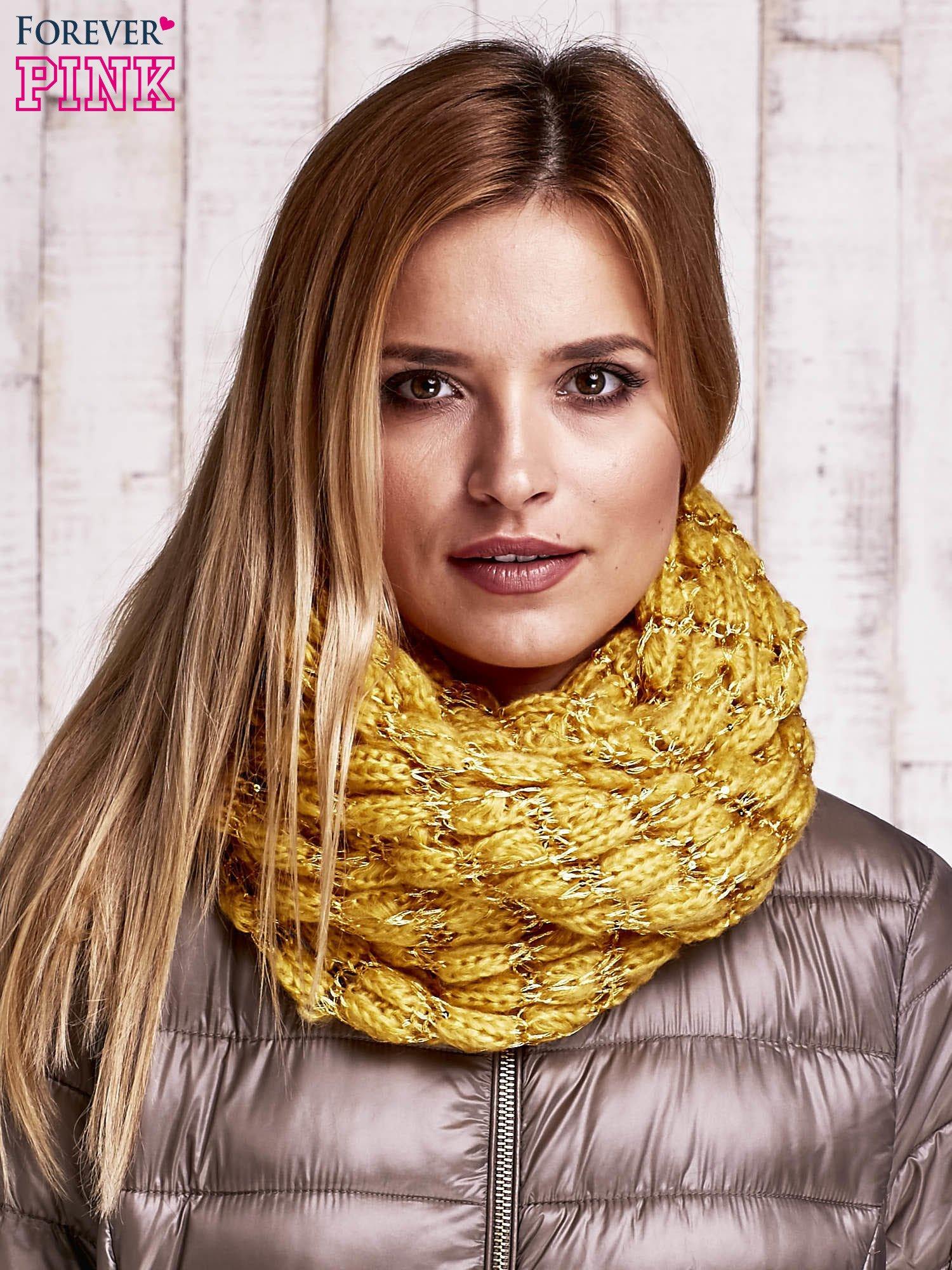 Żółty szalik z lureksową nicia i cekinami                                  zdj.                                  1