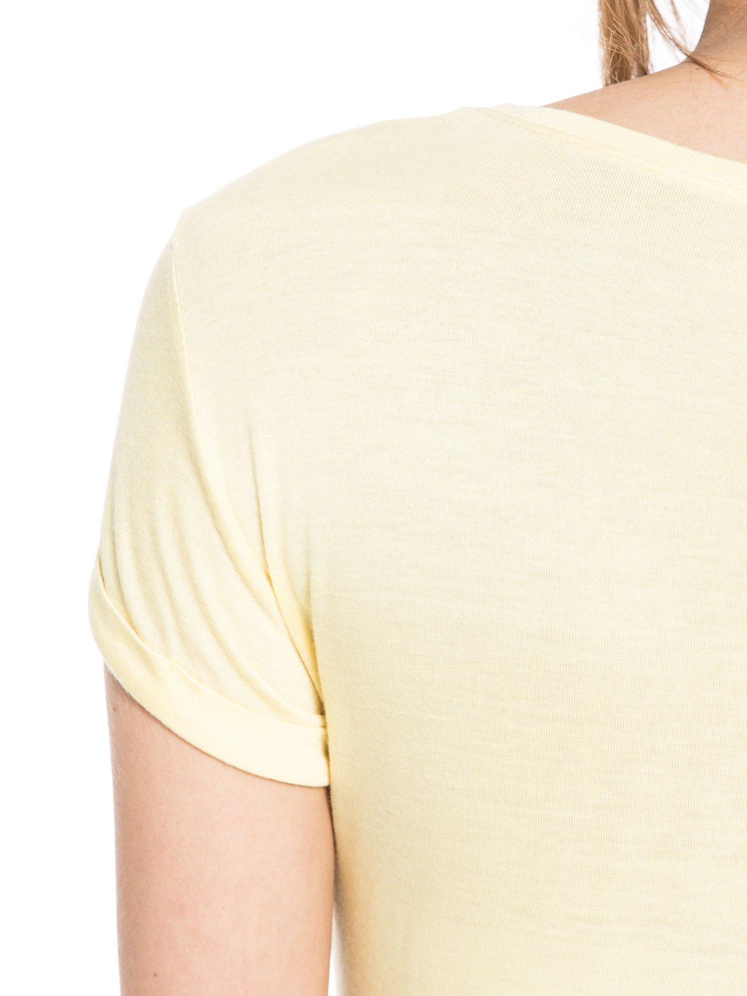 Żółty t-shirt z nadrukiem kota i myszy                                  zdj.                                  10