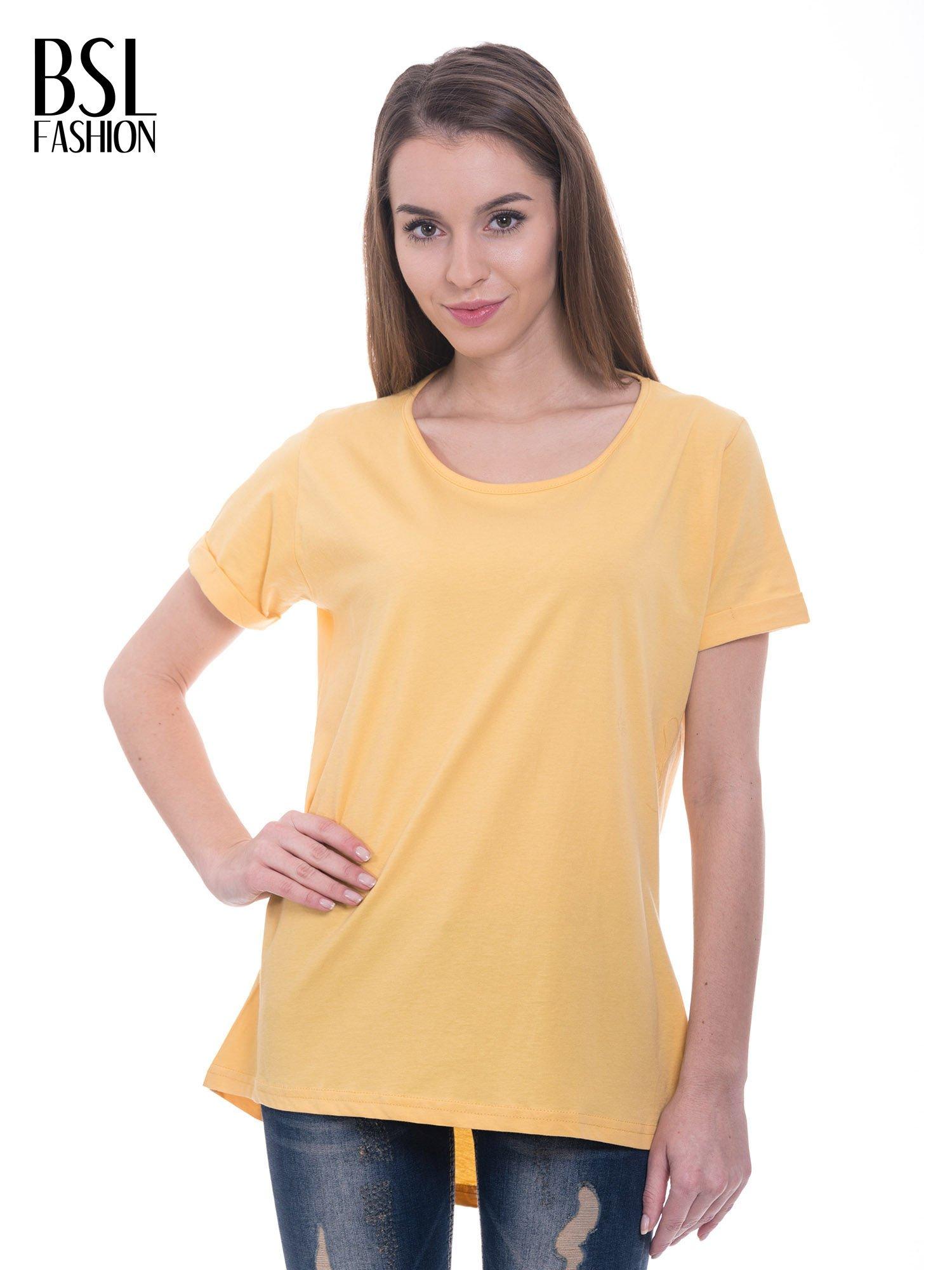 Żółty t-shirt z napisem ARTIST WANTED na plecach                                  zdj.                                  1