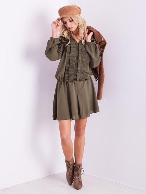 BY O LA LA Khaki sukienka cut out z plisowanym żabotem                              zdj.                              12