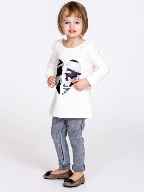 Bawełniana ecru bluzka dziewczęca z cekinowym sercem                              zdj.                              6