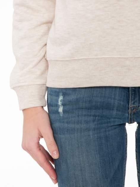 Beżowa bluza z reglanowymi rękawami i nadrukiem MAGNIFIQUE                                  zdj.                                  6