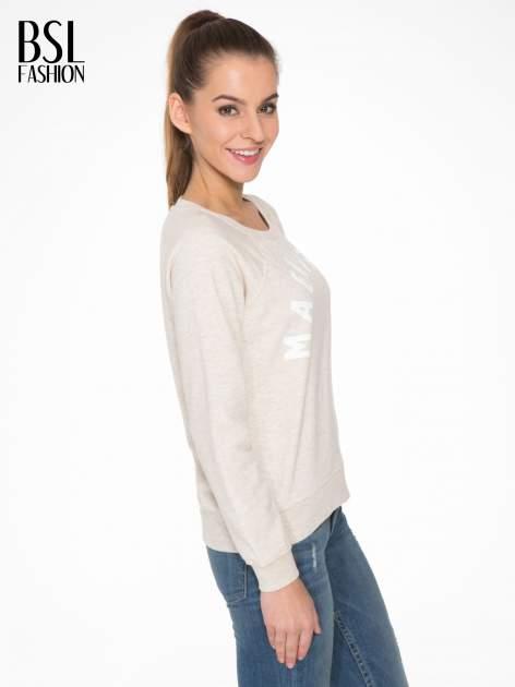 Beżowa bluza z reglanowymi rękawami i nadrukiem MAGNIFIQUE                                  zdj.                                  3