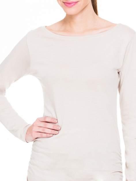 Beżowa bluzka tunika z marszczonym dołem                                  zdj.                                  5