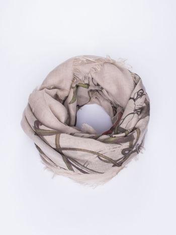 Beżowa chusta damska w roślinny ornament                                  zdj.                                  1