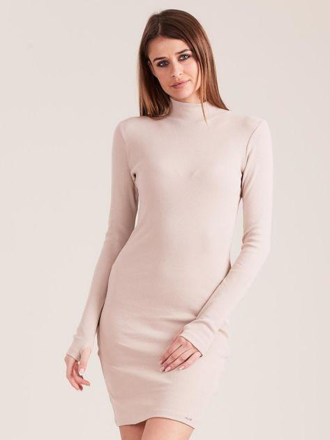 Beżowa dopasowana sukienka z półgolfem                              zdj.                              1
