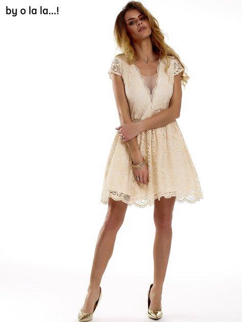 Beżowa koronkowa sukienka z siateczkową wstawką BY O LA LA                              zdj.                              1