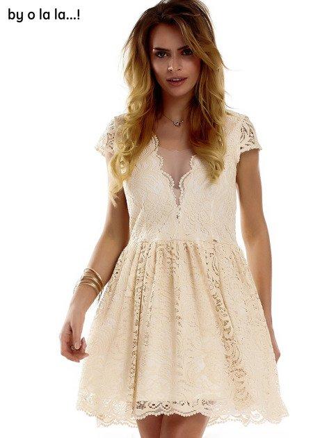 Beżowa koronkowa sukienka z siateczkową wstawką BY O LA LA                              zdj.                              10
