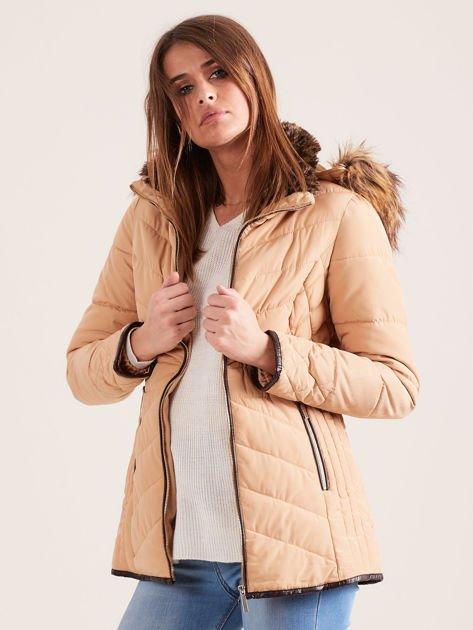 Beżowa kurtka zimowa z futrzanym kapturem i kołnierzem                              zdj.                              6