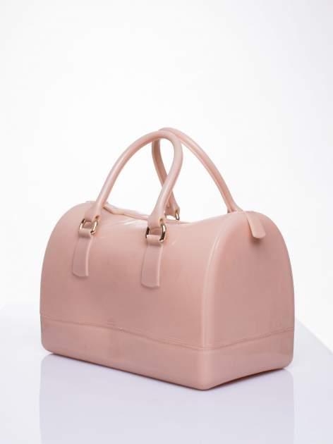 Beżowa lakierowana torba kuferek bowling                                  zdj.                                  2