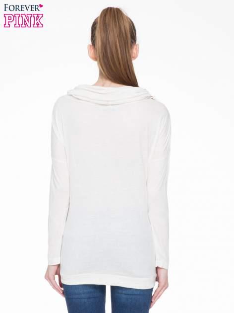 Beżowa melanżowa bluzka dresowa z kołnierzokapturem i ściągaczem na dole                                  zdj.                                  4