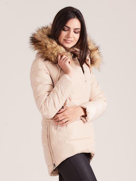 Beżowa pikowana kurtka damska z futerkiem                              zdj.                              3