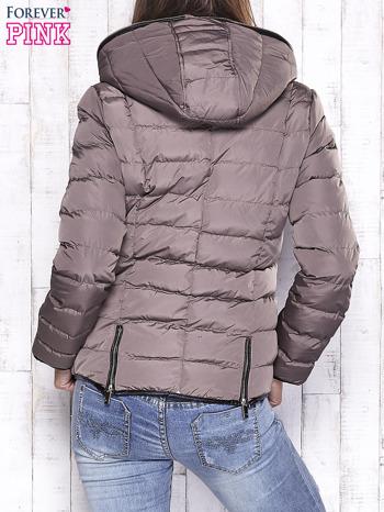Beżowa pikowana kurtka ze złotymi suwakami                                  zdj.                                  2
