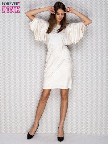 Beżowa sukienka koktajlowa z szerokimi rękawami PLUS SIZE                              zdj.                              4