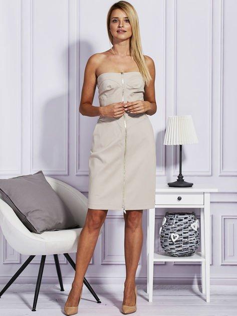 Beżowa sukienka z suwakiem                              zdj.                              4