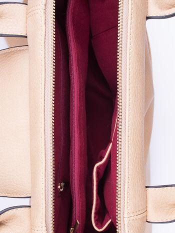 Beżowa torba z klapką i odpinanym paskiem                                  zdj.                                  4