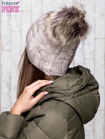Beżowa wełniana czapka z pomponem                                  zdj.                                  3