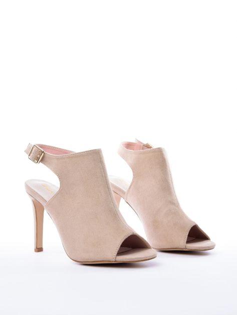 Beżowe sandały SABATINA z głęboko wyciętą cholewką                               zdj.                              2