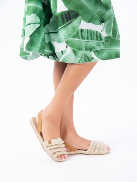 Beżowe sandały z ozdobnym frędzelkowym przodem                              zdj.                              7