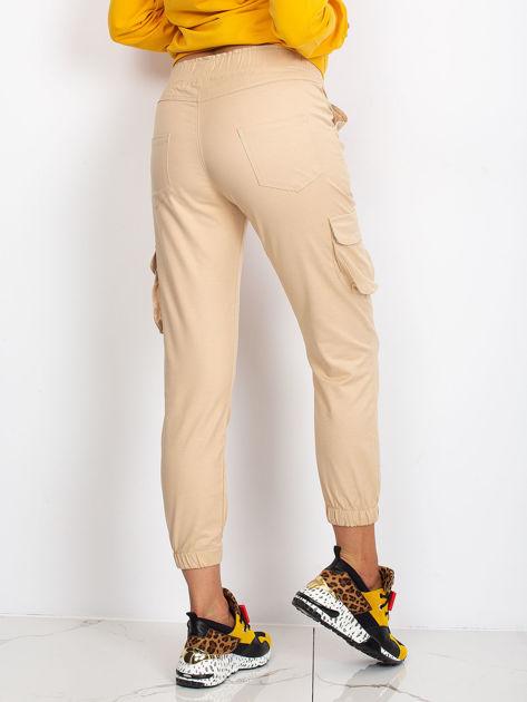 Beżowe spodnie Sally                              zdj.                              3