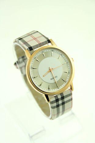 Beżowo-biały zegarek damski na pasiastym pasku                                  zdj.                                  1