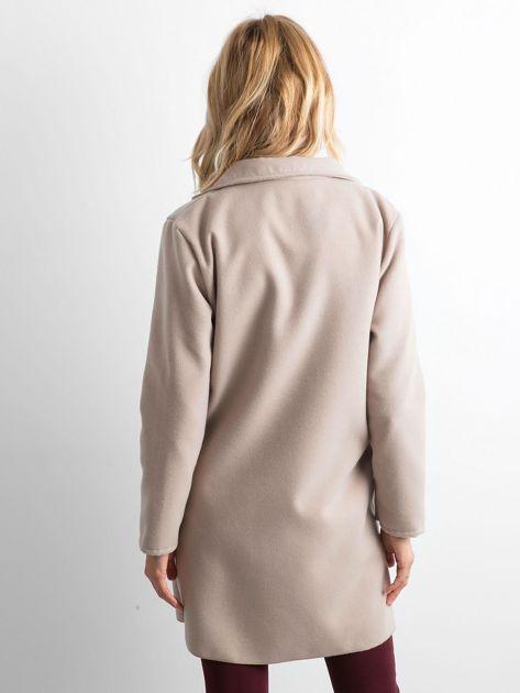 Beżowy flauszowy płaszcz z paskiem                              zdj.                              2