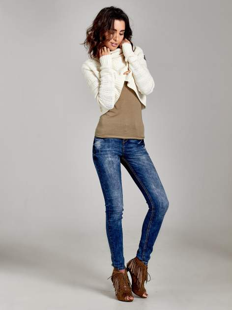 Beżowy krótki sweter narzutka z kołnierzem                                  zdj.                                  1