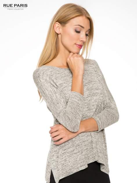 Beżowy melanżowy sweter oversize o obniżonej linii ramion                                  zdj.                                  7