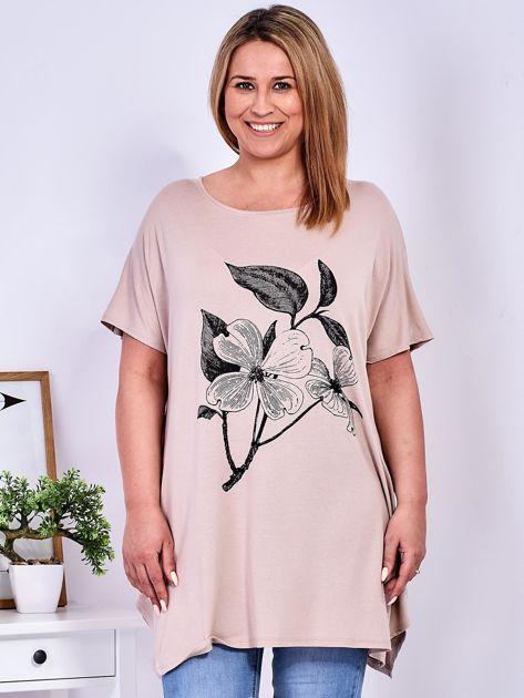 Beżowy t-shirt z kwiatem  PLUS SIZE                              zdj.                              1
