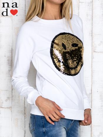 Biała bluza z dwustronną naszywką z cekinów                                  zdj.                                  3