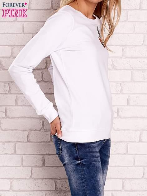 Biała bluza z kolorowymi naszywkami                                  zdj.                                  3