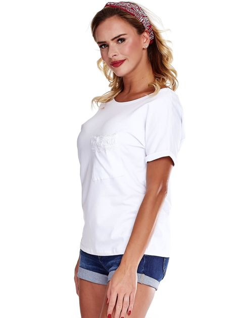 Biała bluzka damska z koronką                              zdj.                              3