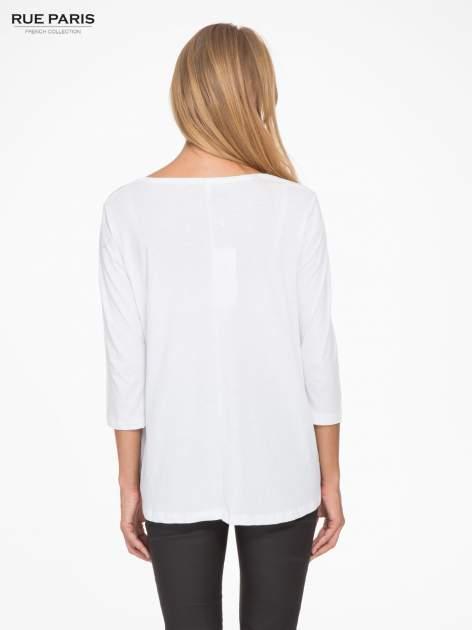 Biała bluzka o rozkloszowanym kroju z rękawem 3/4                                  zdj.                                  4