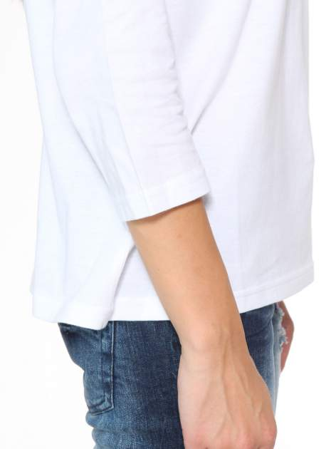 Biała bluzka z marszczonym dekoltem i rękawkami 3/4                                  zdj.                                  8