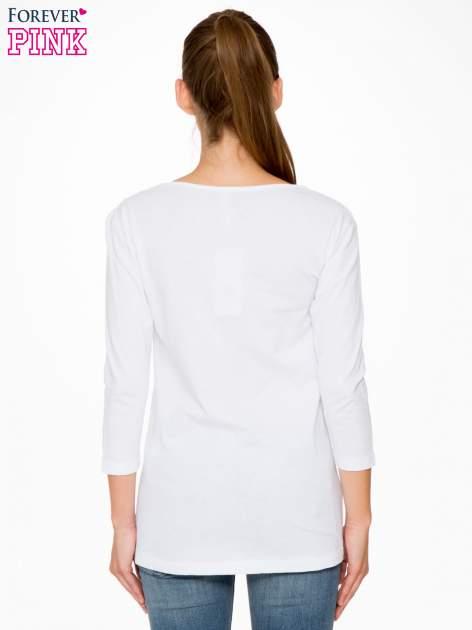 Biała bluzka z motywem kwiatowym i napisem ADORABLE                                  zdj.                                  4