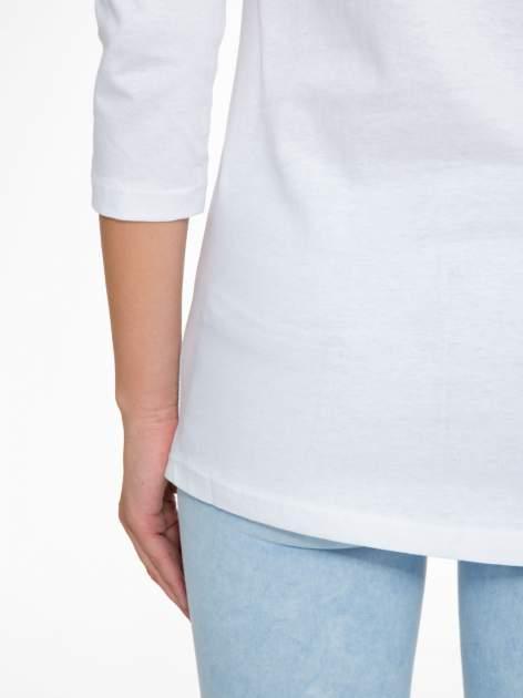 Biała bluzka z nadrukiem fashion i napisem MORE COLOUR                                  zdj.                                  10