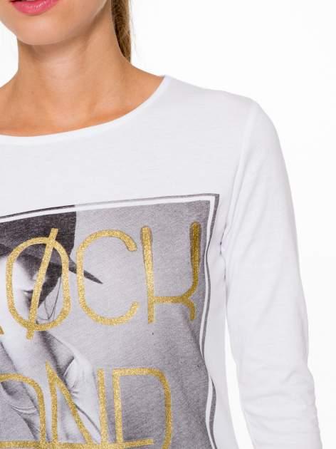 Biała bluzka ze złotym brokatowym napisem ROCK AND ROLL                                  zdj.                                  6