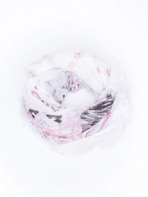 Biała chustka w aztecki wzór i kwiatki z frędzlami                                  zdj.                                  2