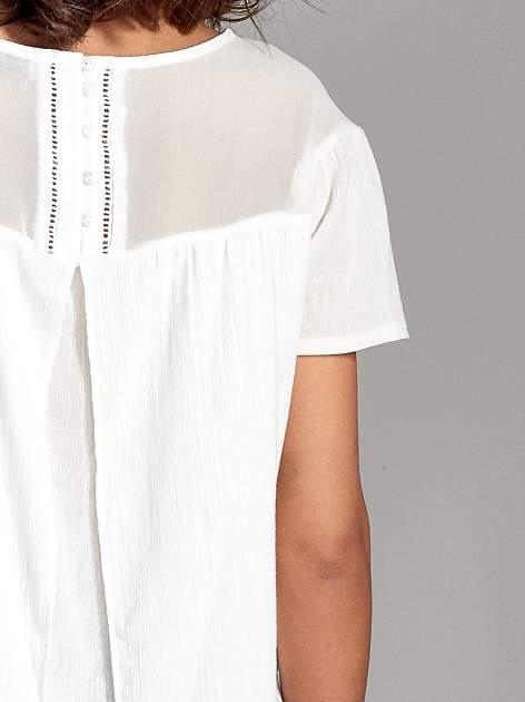 Biała dwuwarstwowa bluzka koszulowa z transparentnym karczkiem                                  zdj.                                  6