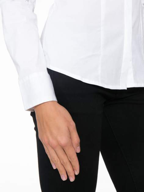 Biała elegancka koszula damska z krytą listwą                                  zdj.                                  7