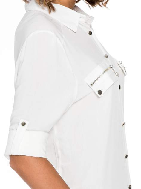 Biała elegancka koszula z suwakami i napami                                  zdj.                                  7