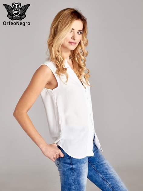 Biała koszula V-neck z suwakiem                                  zdj.                                  3