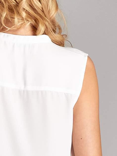 Biała koszula V-neck z suwakiem                                  zdj.                                  6