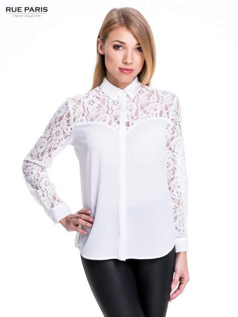 Biała koszula z koronkową górą i rękawami                                  zdj.                                  1