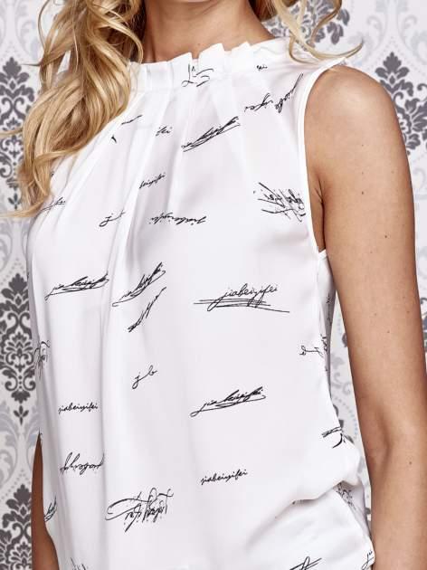 Biała koszula z nadrukiem tekstowym                                  zdj.                                  5