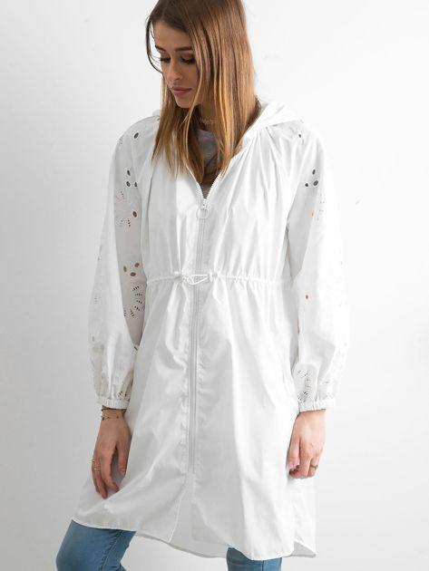 Biała kurtka z kapturem                               zdj.                              3