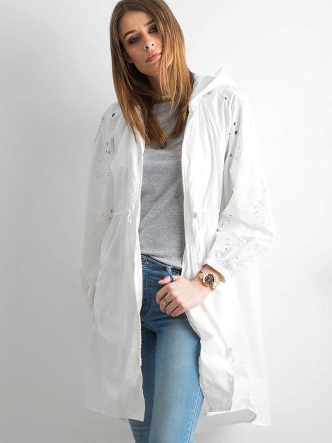 Biała kurtka z kapturem                               zdj.                              6